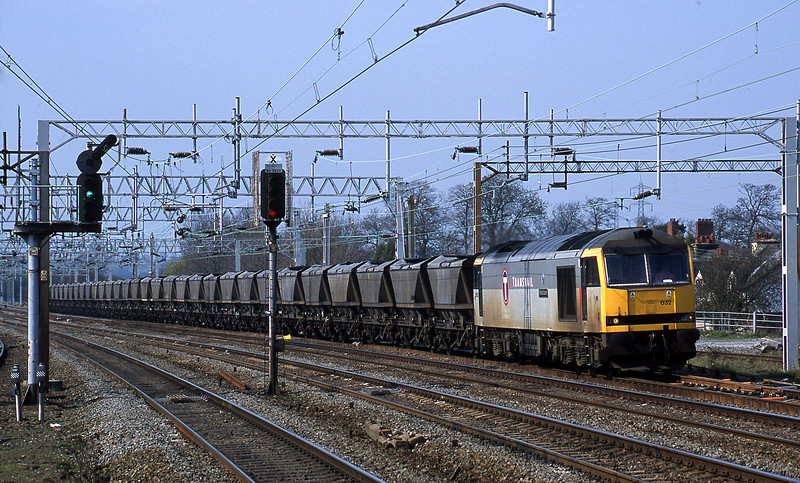 60032, up mgr empties from Rugeley Power Station, Rugeley Trent Valley, 10-4-02.