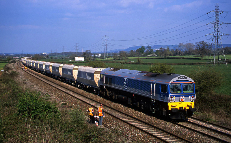 59004, 12.31 Hither Green-Whatley Quarry, Berkley Marsh, near Frome, 16-4-02.