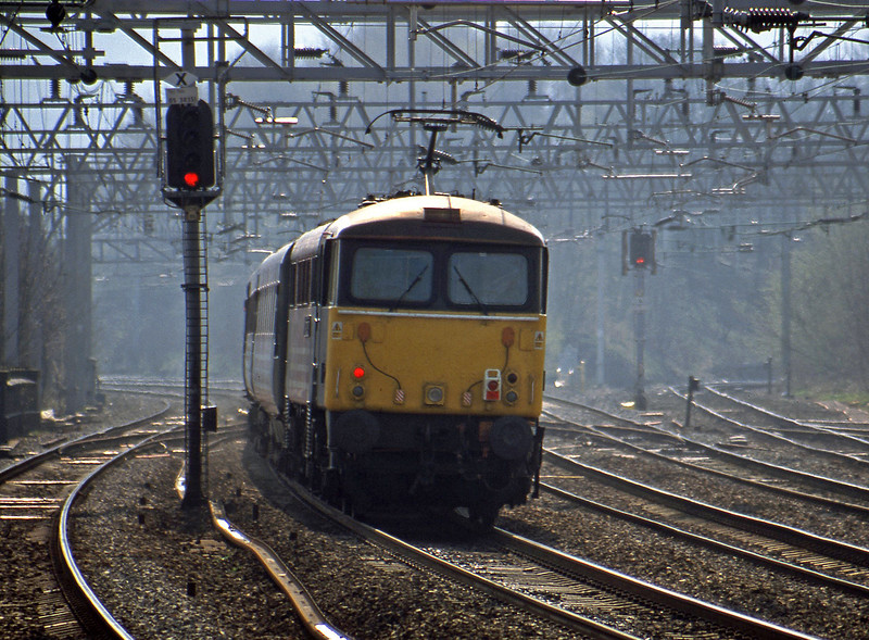 87028, 10.26 Manchester Piccadilly-London Euston, Rugeley Trent Valley, 3-4-02.