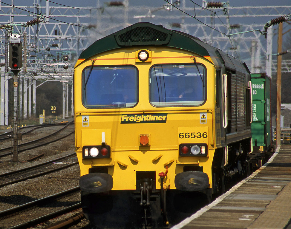 66536, up Freightliner, Rugeley Trent Valley, 3-4-02.