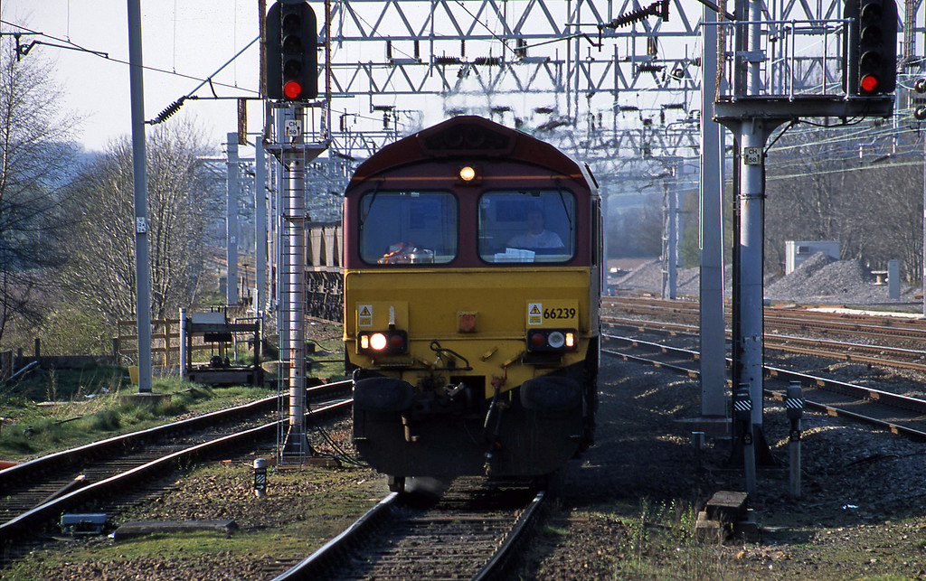66239, up mgr to Rugeley Power Station, Rugeley Trent Valley, 3-4-02.