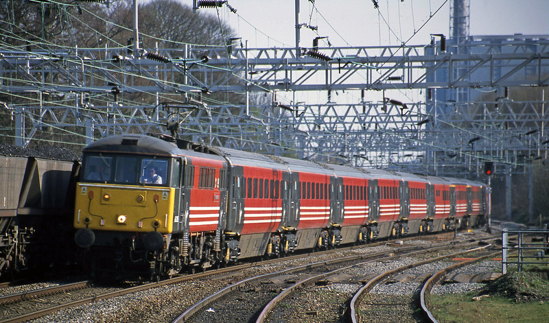 86205, 14.30 London Euston-Glasgow, Rugeley Trent Valley, 3-4-02.