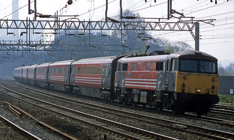 87020, 09.30 London Euston-Preston, Rugeley Trent Valley, 10-4-02.