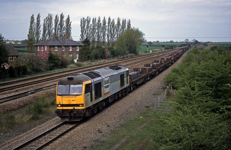 60064, 13.00 Lackenby-Llanwern, Bolton Percy, near York, 23-4-02.