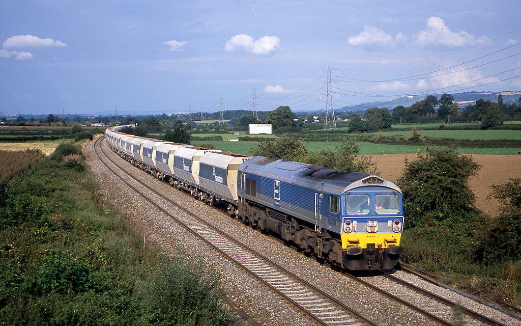 59005, 12.31 Hither Green-Whatley Quarry, Berkley Marsh, near Frome, 20-8-02.