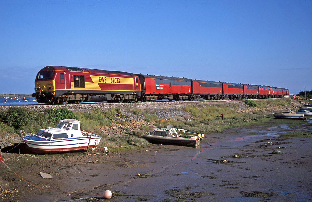67023, 17.23 Plymouth-Low Fell, Cockwood Harbour, near Starcross, 1-8-02