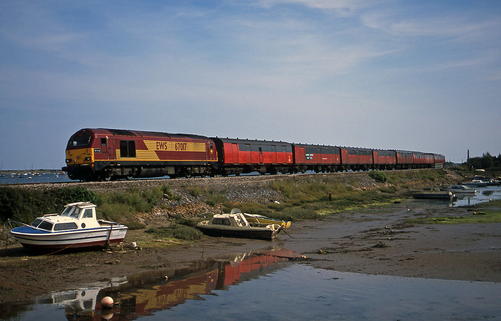 67017, 15.09 Plymouth-Low Fell, Cockwood Harbour, near Starcross, 6-8-02.