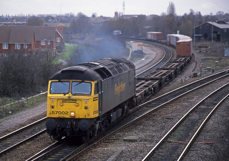57002, 10.13 Southampton Millbrook-Birmingham Lawley Street, Didcot North Junction, 12-2-02.
