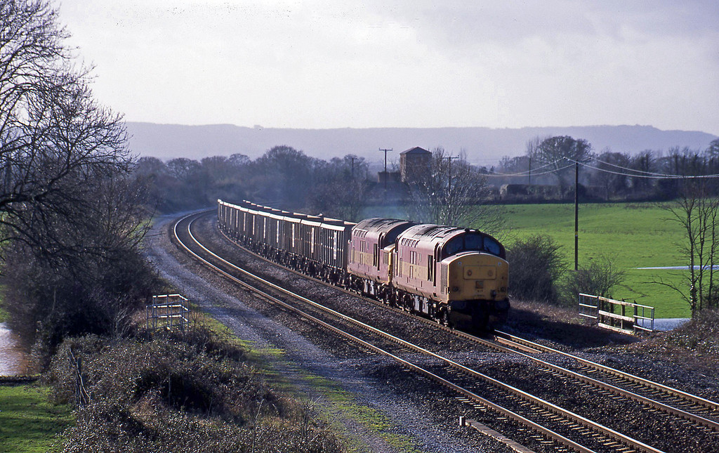 37419/37109, up stone empties, Cogload, 5-2-02.