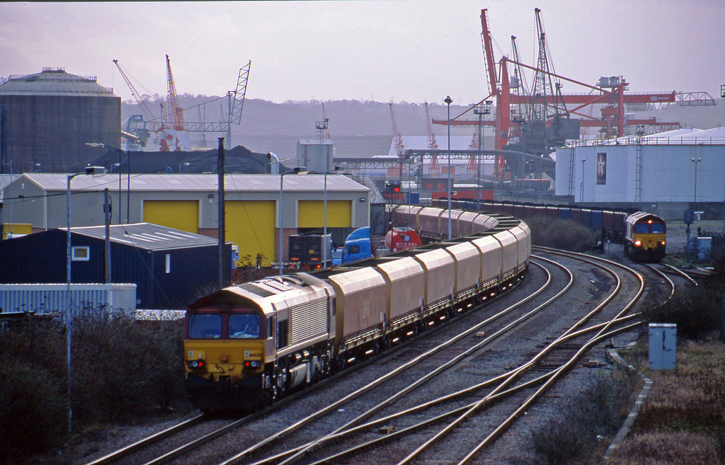 Failed 66020 on rear of 13.05 Avonmouth BHT-Didcot PS, Hallen Marsh Junction, Avonmouth, 22-1-02, rescued by 66246. 66056, 14.38 Avonmouth Bennett's Siding-Rugby.