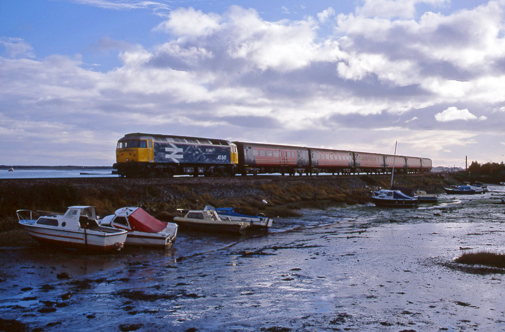47847, 11.50 Plymouth-Liverpool Lime Street, Cockwood Harbour, near Starcross, 15-1-02.