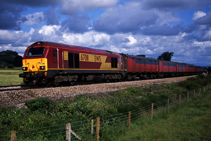 67011, 10.32 Bristol Temple Meads-Plymouth, Powderham, near Exeter, 10-7-02.