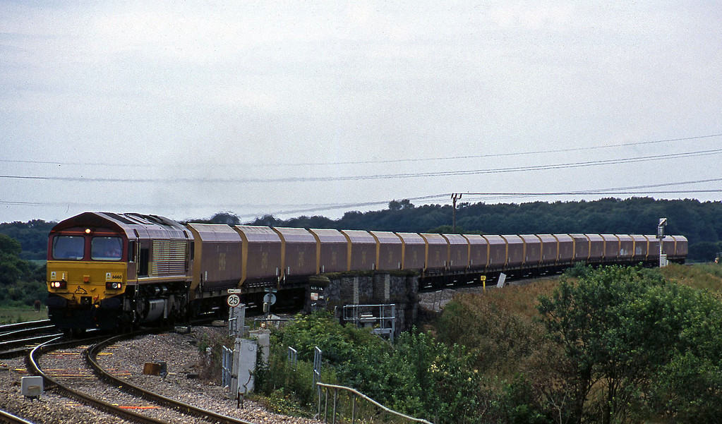 66160, down mgr, Westerleigh Junction, near Bristol, 4-7-02.
