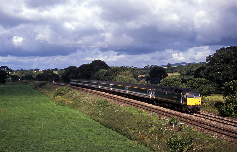 47830, 07.30 Plymouth-London Paddington, Silverton, near Exeter, 11-7-02.