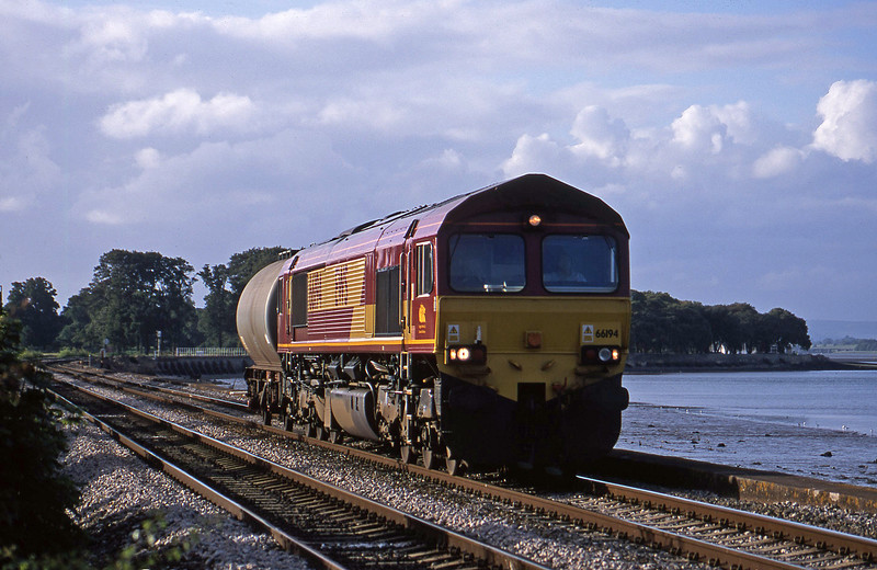 66194, 17.03 Westbury Yard-Plymouth Tavistock Junction Yard, Starcross, 1-7-02.