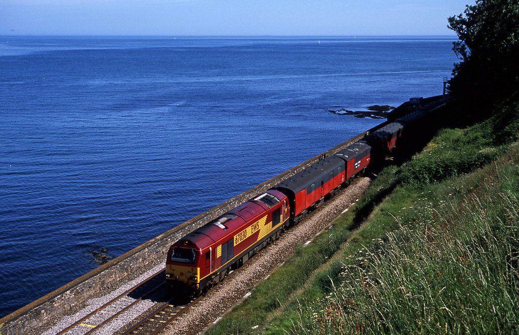 67030, 15.09 Plymouth-Low Fell, Horse Cove, Dawlish, 26-6-02.
