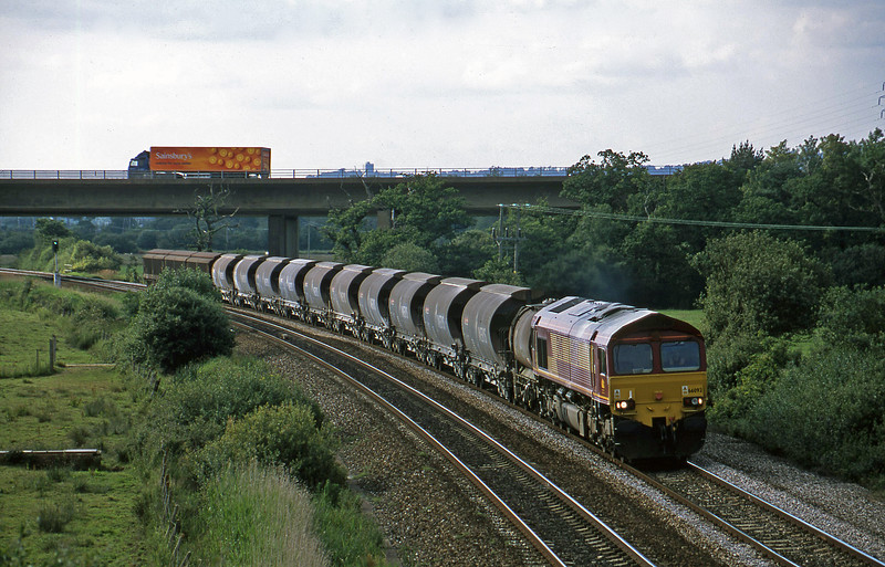 66092, 08.57 Cliffe Vale-St Blazey, Exminster, near Exeter, 25-6-02.