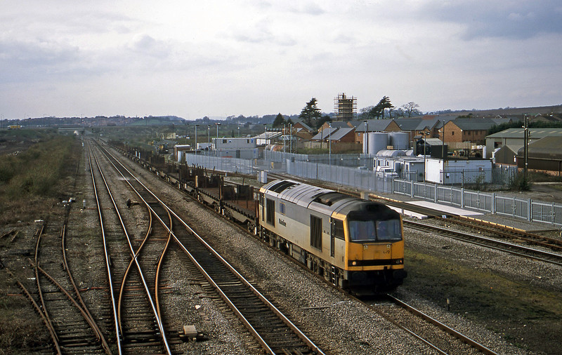60072, down slabs empties, Severn Tunnel Junction, 12-3-02.