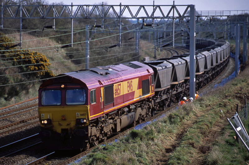 66157, down mgr empties, Heamies Farm, near Eccleshall, Staffs, 26-3-02.