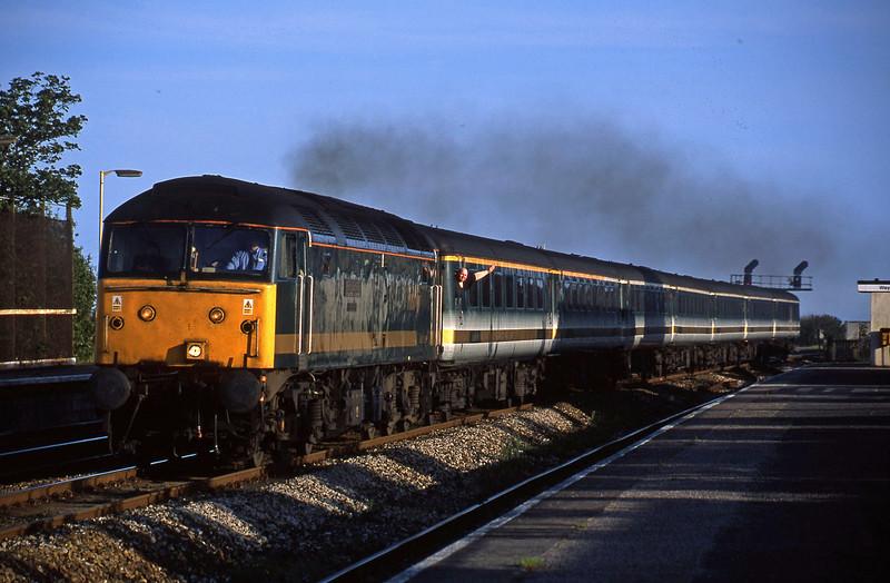 47816, 18.40 Plymouth-London Paddington, Dawlish Warren, 31-5-02.