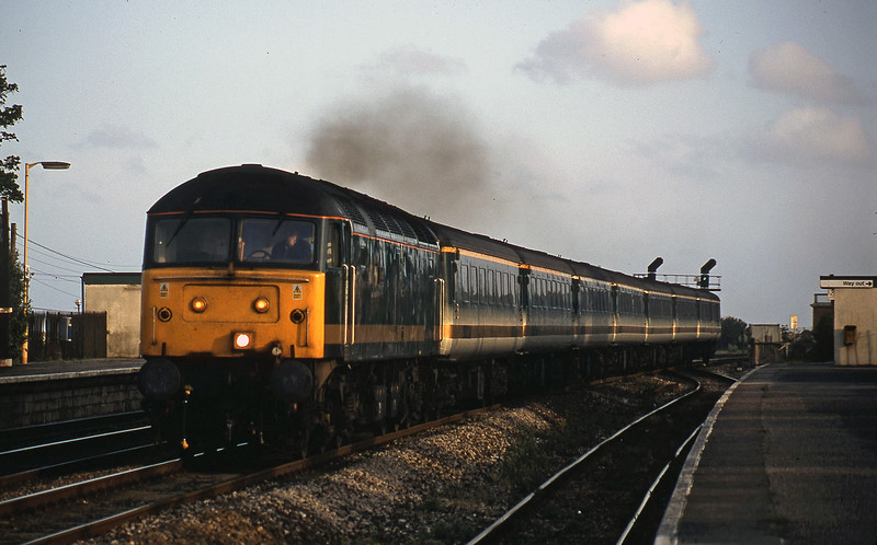 47832, 18.40 Plymouth-London Paddington, Dawlish Warren, 29-5-02.