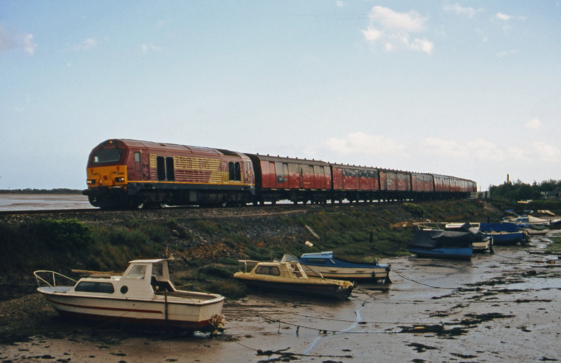 67028, 15.09 Plymouth-Low Fell, Cockwood Harbour, near Starcross, 14-5-02.