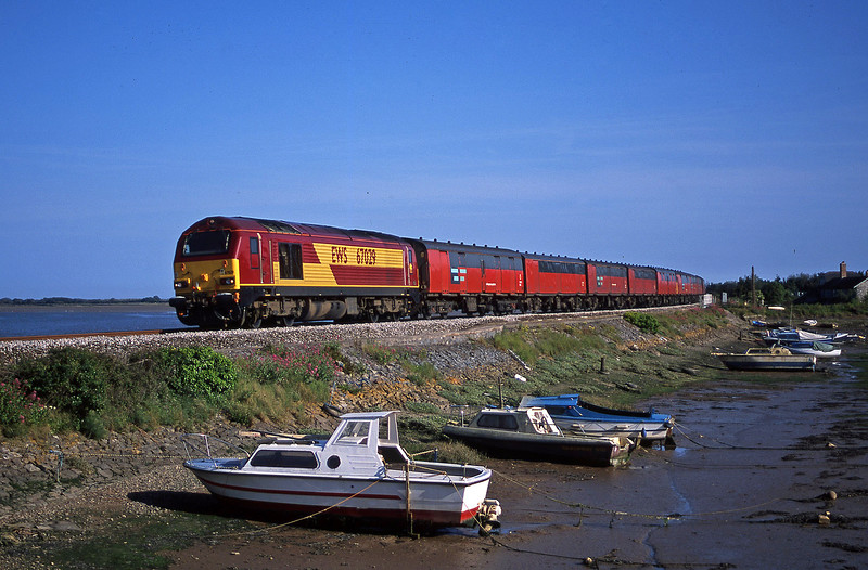 67029, 17.23 Plymouth-Low Fell, Cockwood Harbour, near Starcross, 31-5-02.