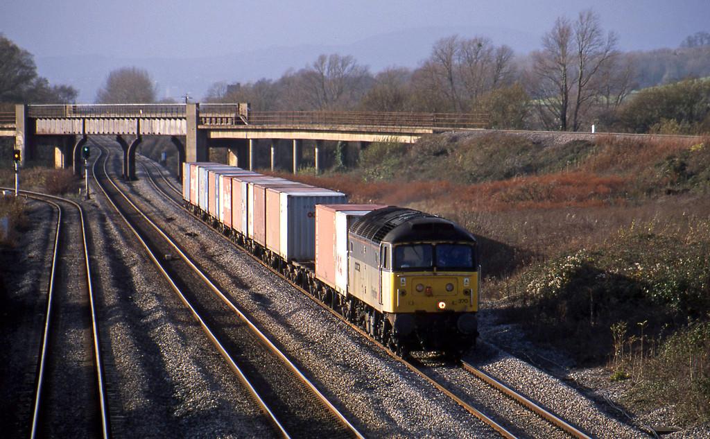 47370, 10.00 Cardiff Wentloog-Southampton, Llandevenny, near Llanwern, 12-11-02. Late.