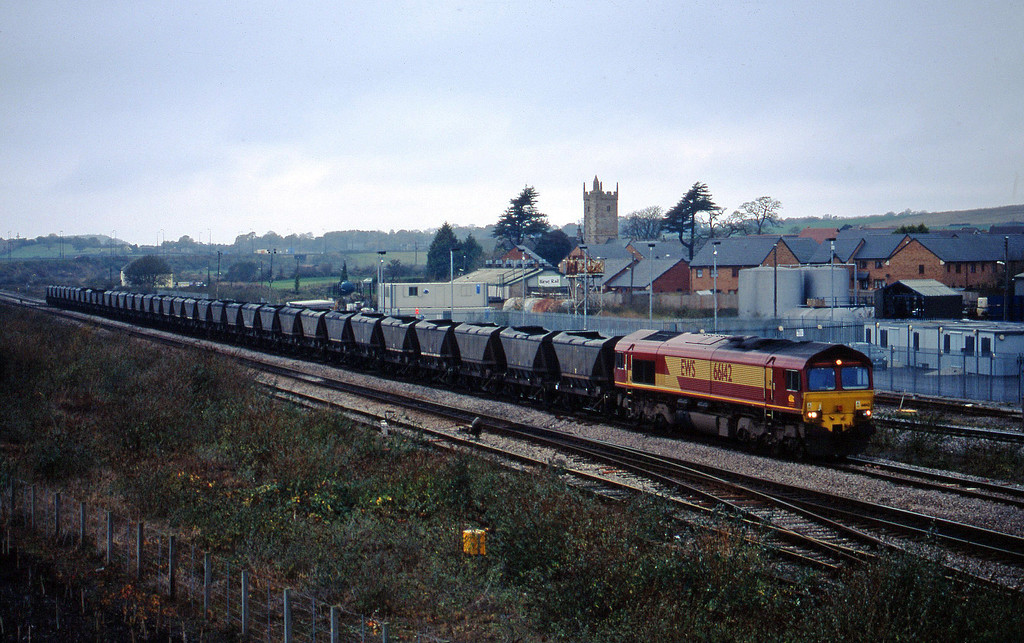 66142, 09.00 Port Talbot-Ironbridge Power Station, Severn Tunnel Junction, 5-11-02.