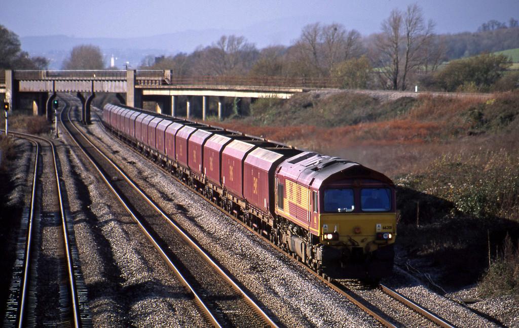 66201, Aberthaw Power Station-Avonmouth Bulk Handling Terminal, Llandevenny, near Llanwern, 12-11-02.