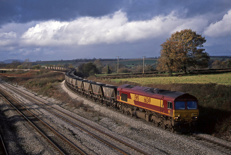 66249, 09.00 Port Talbot-Ironbridge Power Station, Llandevenny, near Llanwern, 12-11-02.