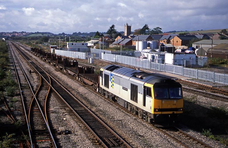 60014, 12.45 Llanwern-Lackenby, Severn Tunnel Junction, 22-10-02.