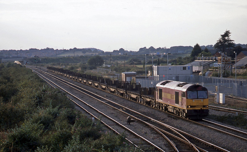 60026, 16.47 Llanwern-Lackenby, Severn Tunnel Junction, 9-10-02.