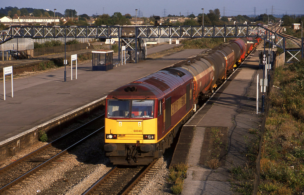 60040, 13.35 Theale-Robeston, Severn Tunnel Junction, 9-10-02.
