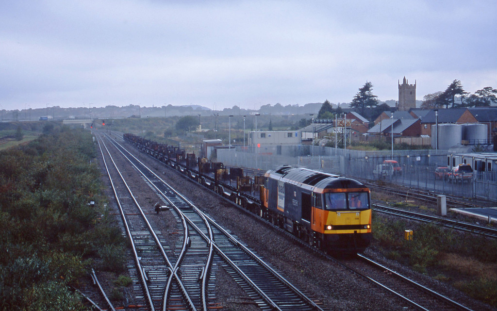 60059, 13.23 Llanwern-Lackenby, Severn Tunnel Junction, 22-10-02.