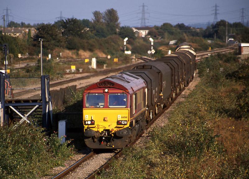 66061, 10.00 Round Oak-Margam, Severn Tunnel Junction, 9-10-02.