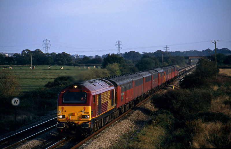 67004, 17.23 Plymouth-Low Fell, Exminster, near Exeter, 16-9-02.
