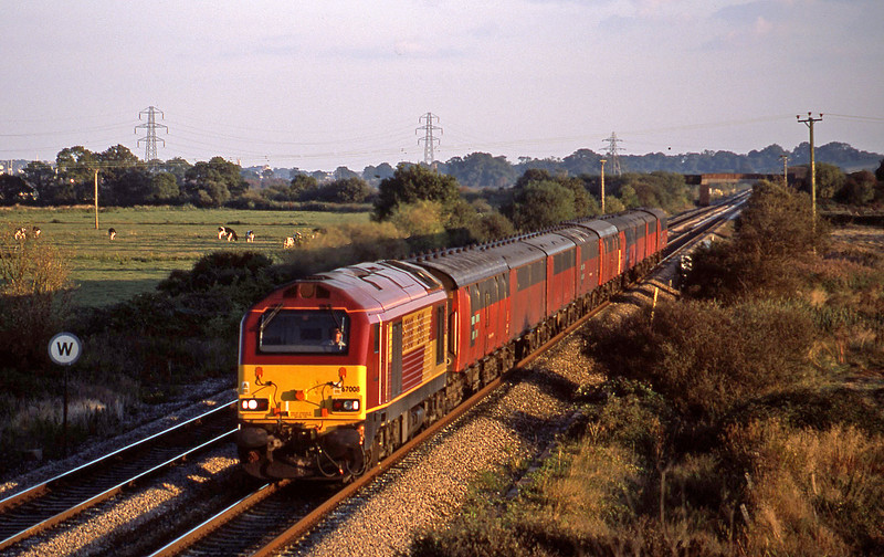 67008, 17.23 Plymouth-Low Fell, Exminster, near Exeter, 23-9-02.