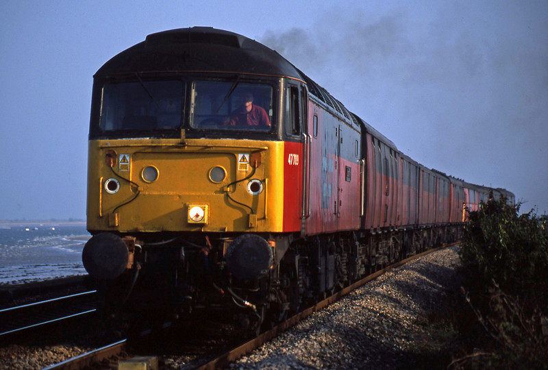 47789, 17.23 Plymouth-Low Fell, Powderham, near Exeter, 23-4-03.