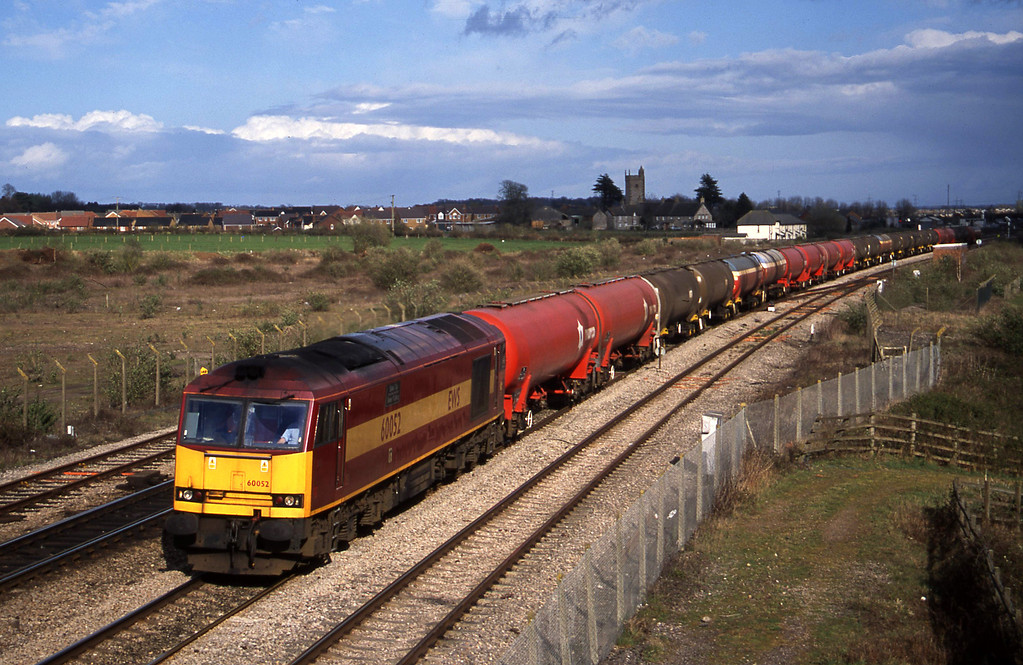 60052, 13.42 Theale-Robeston, Severn Tunnel Junction, 1-4-03.