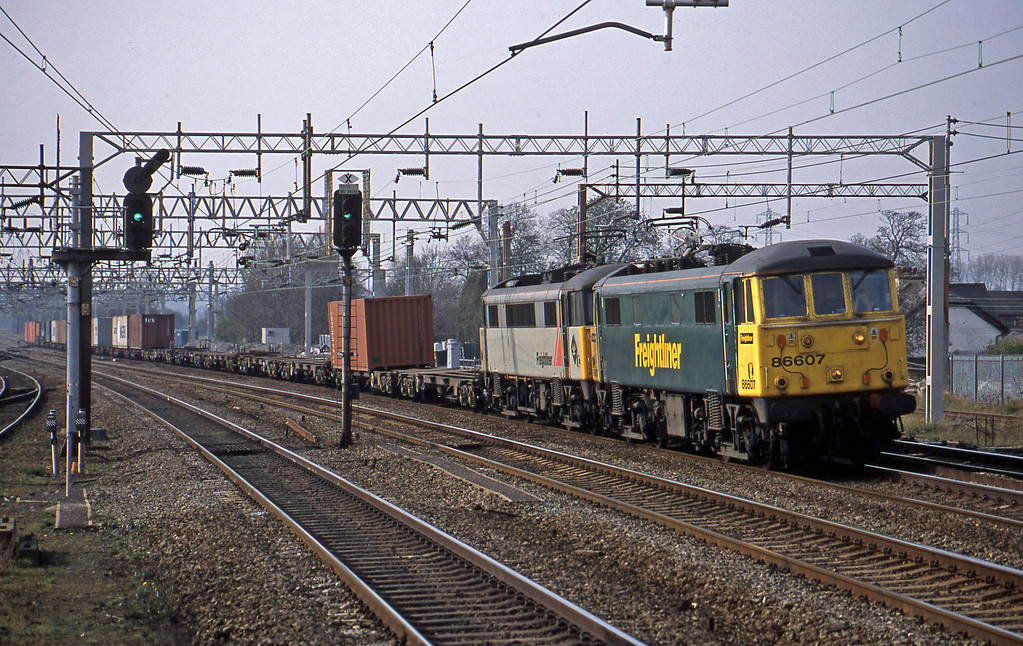86607/86605, 13.30 Ditton-Ipswich, Rugeley Trent Valley, 15-4-03.