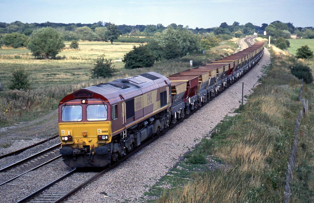 66168, 12.30 Thorney Mill-Swansea, Shrivenham, near Swindon, 21-8-03.