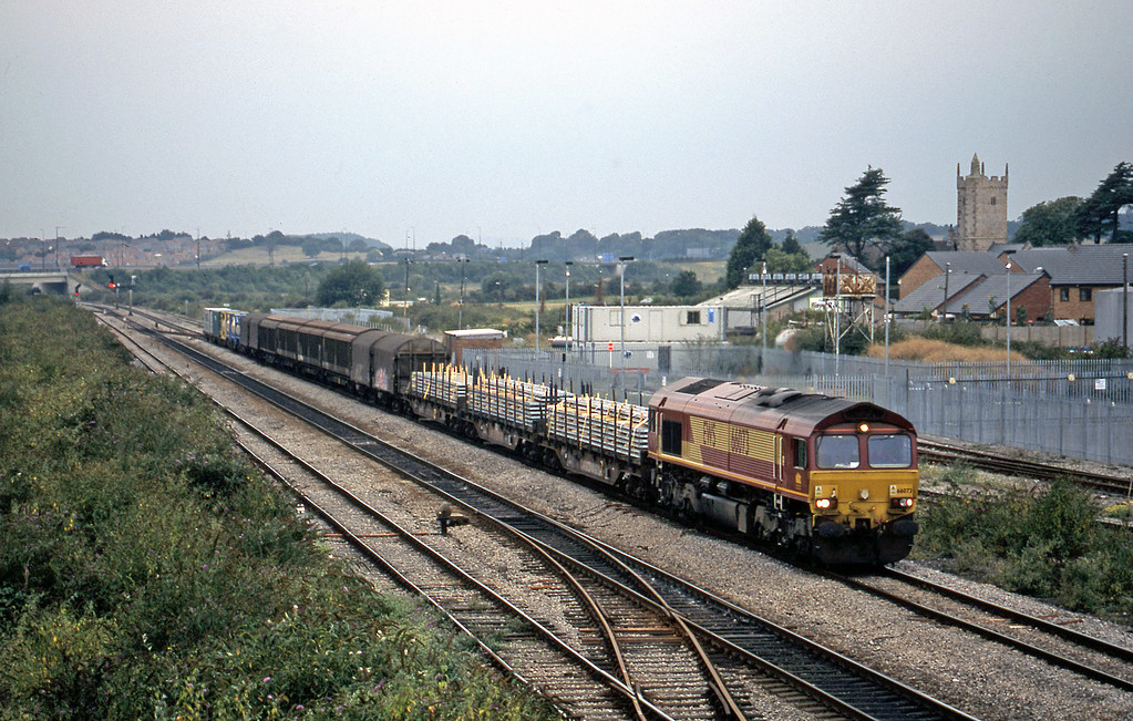 66073, 16.36 Newport Alexandra Dock Junction-Wembley, Severn Tunnel Junction, 28-8-03.