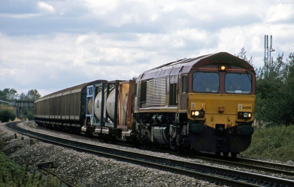 66001, 13.15 Avonmouth-Wembley, Shrivenham, near Swindon, 21-8-03.