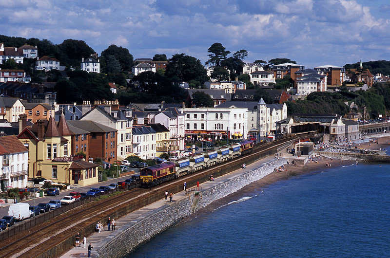 66151/66142, up departmental,  Dawlish, 31-8-03.