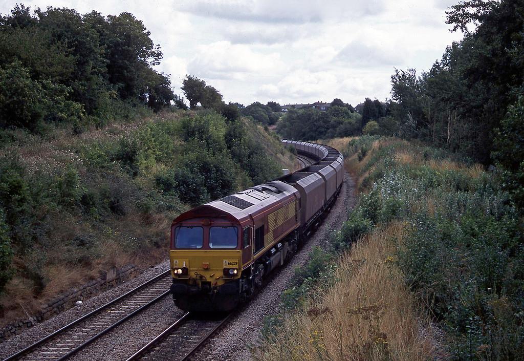 66229, 08.53 Didcot Power Station-Avonmouth Bulk Handling Terminal, Brentry, Bristol, 21-8-03.