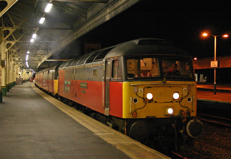 47734, 22.11 Plymouth-London, departs Exeter St David's, 23-12-03.