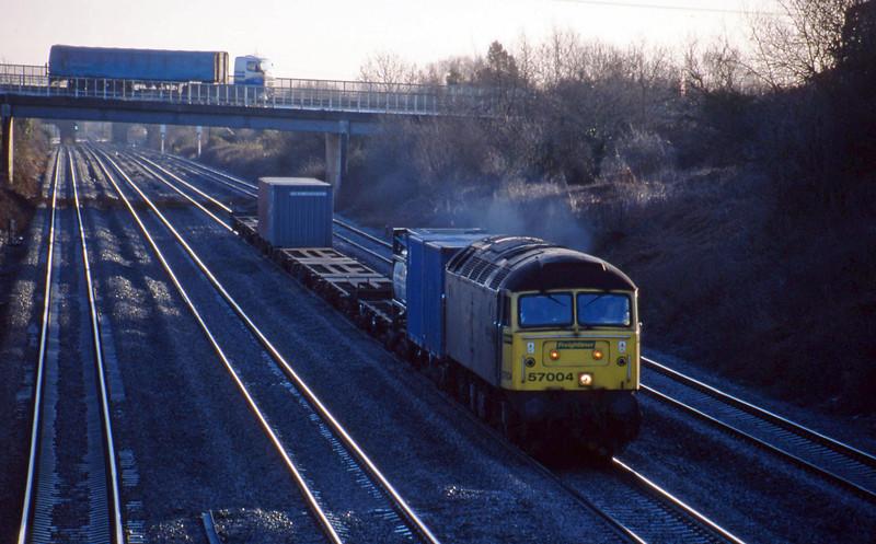 57004, Southampton Millbrook-Cardiff Wentloog, Llandevenny, near Llanwern, 4-2-03.
