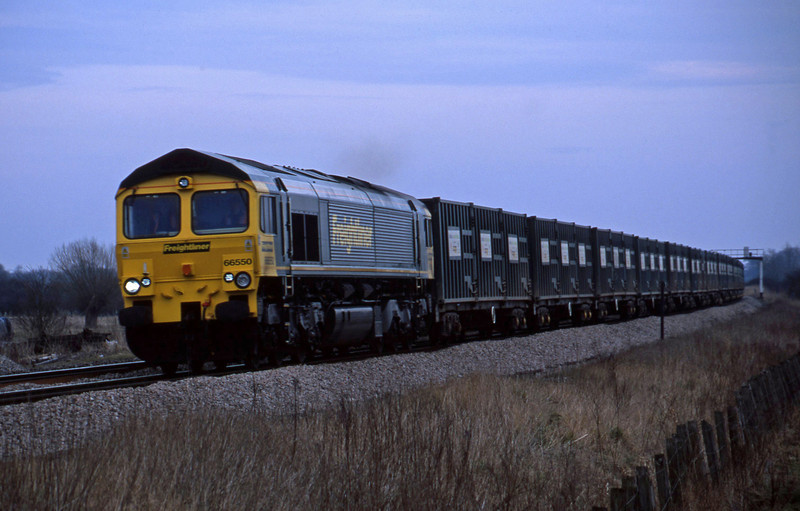 66550, 10.55 Calvert-Bath RTS, Shrivenham, near Swindon, 25-2-03.