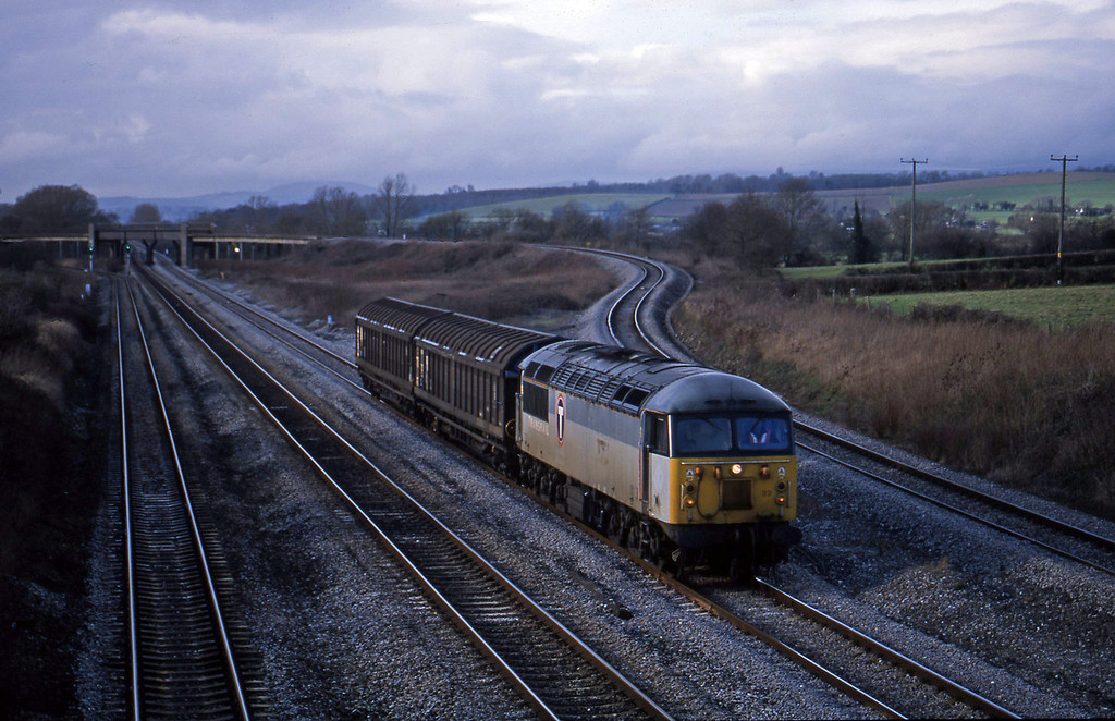 56099, Newport Alexandra Dock Junction-Avonmouth Bulk Handling Terminal, Llandevenny, near Llanwern, 21-1-03.